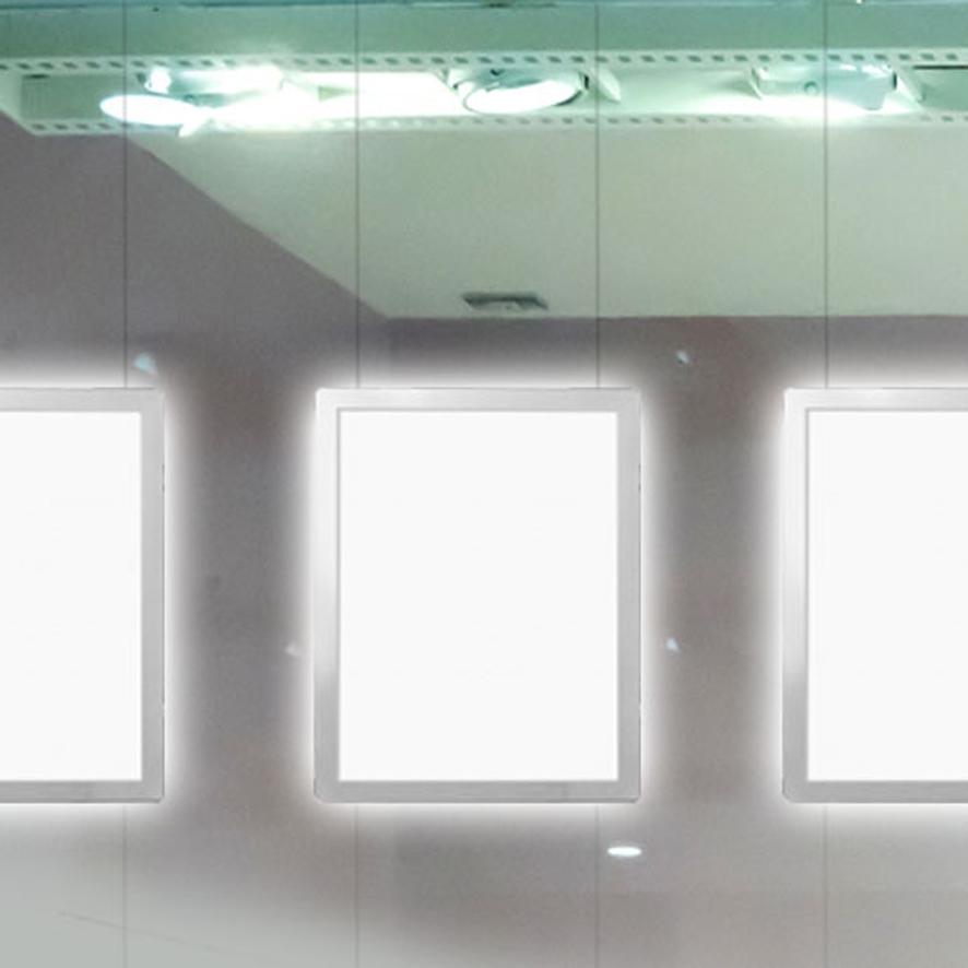 CORNICI LUMINOSE A LED PER VETRINE. ALLESTIMENTO A SOFFITTO/MURO/PARETE.