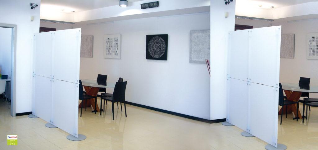 pareti divisorie in plexiglass per ufficio