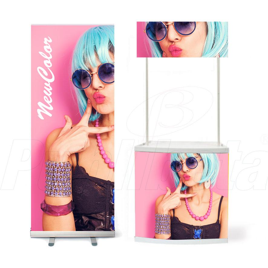 Corner espositivi con pannelli pubblicitari rollup