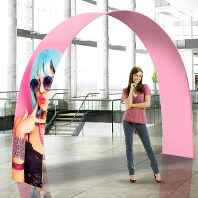 stand portatili per fiere a forma di arco